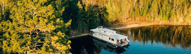 Houseboats on Lake of the Woods | Houseboat Adventures Inc